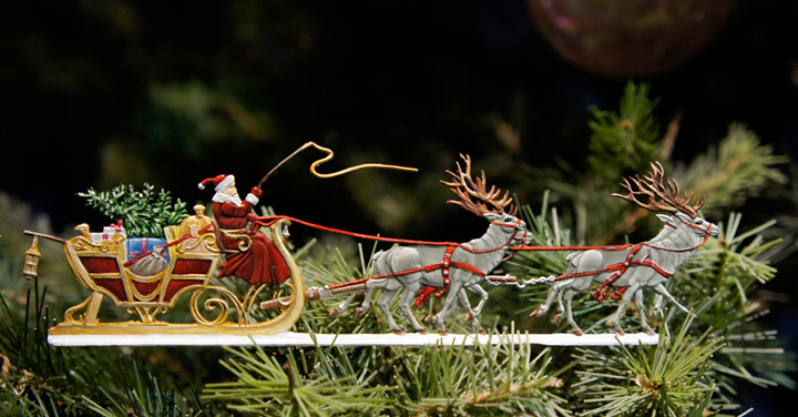 santa-in-sleigh-banner.jpg